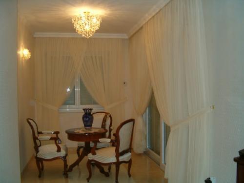 Eladó függöny Debrecenben